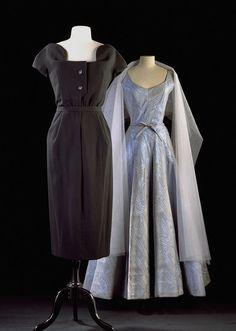 """Christian Dior, """"Rom"""", Wolle, c. 1953,  Coco Chanel, Abendkleid, Moiré-Seide mit Lurex, Kollektion Herbst 1955 , Gemeentemuseum Den Haag. Foto: Erik und Petra Hesmerg"""