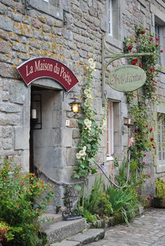 La maison du poète, Locronan, Brittany. The most beautiful small shop with impeccable service. Full of pens and fine paper. Heaven! September 2016.