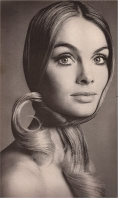 Jean Shrimpton by Richard Avedon  for VOGUE February 1969.