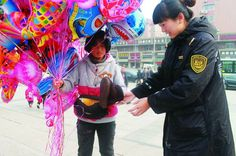 balloon seller and police officer