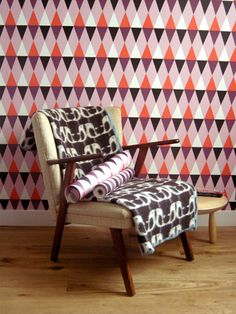 The beautiful wallpaper Nova Dawn from ISAK has a lovely harlwequin pattern, the design feels trendy and retro at the same time. This wallpaper looks great in a livingroom or bedroom, combine it with other retro details to create a chic room. Scandinavian Interior Design, Scandinavian Home, Magenta, Articles Pour Enfants, Wallpaper Stickers, Floor Chair, Outdoor Chairs, Interior Decorating, Nova