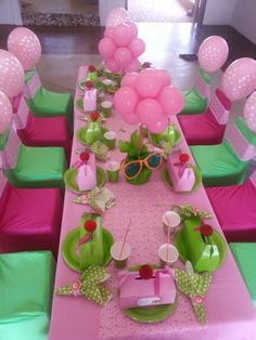 Pink and green table setting #followprettypearlsinc AKA 1908
