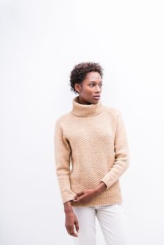 Choose your own adventure to create a custom wardrobe staple. Cadence is knit in Shelter with options for a crew neck, V-neck, or turtleneck and for varying sleeve and torso lengths. All versions sport a textured body and stockinette sleeves with a modified raglan shoulder for a comfortable fit.