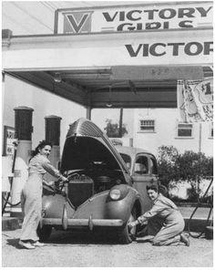Vintage Gas Station // #Greasers #1950s #Vintage #ALifeSettlement // ALifeSettlement.com