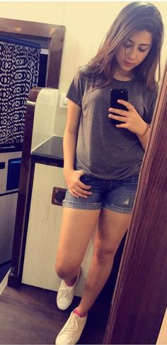 Clothes For Girls Jeans Shirts New Ideas Jeans Shirt For Girl, Girls Jeans, Cute Girl Face, Cute Girl Photo, Summer Fashion Outfits, Girl Outfits, Casual College Outfits, Aditi Bhatia, Desi Wedding Dresses