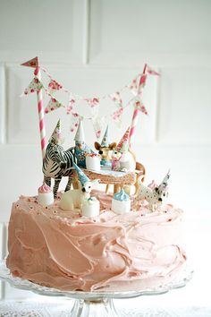 Birthday Cake bunte Torte mit Tieren The post Birthday Cake appeared first on Kuchen Rezepte. Pretty Cakes, Cute Cakes, Beautiful Cakes, First Birthday Cakes, Girl Birthday, Birthday Parties, Birthday Ideas, Bolo Original, Bolo Diy