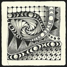 Enthusiastic Artist: MANY MOONS - a new tangle!
