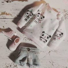 Mira este artículo en mi tienda de Etsy: https://www.etsy.com/listing/243761957/panda-sweater-for-blythe-and-similar