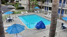 Motel 6 Pismo Beach Pismo Beach Located just 1 mile away from local beaches, this pet-friendly motel is minutes from downtown Grover Beach. It features an outdoor pool.  The guest rooms at the Pismo Beach Motel 6 are equipped with cable TV and free local calling.  WiFi is...