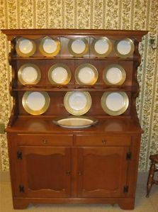 Ethan Allen Baumritter Heirloom Nutmeg Maple Colonial Welsh China Cabinet 10 481 Furniture
