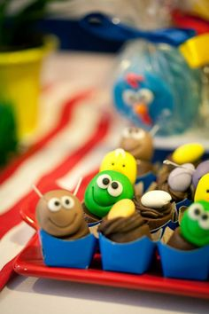Bombom decorado Festa Galinha Pintadinha