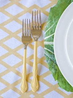 Throw an Easter Dinner Party >> http://www.hgtv.com/design/make-and-celebrate/entertaining/host-a-charming-easter-dinner-pictures?soc=pinterest