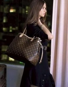 The Louis Vuitton Neverfull Mm Monogram 2014 / Free Same Day Ship / Fuchsia Interior Canvas Shoulder Bag is a top 10 member favorite on Tradesy. Save on yours before they're sold out! Louis Vuitton Neverfull Mm, Louis Vuitton Purses, Neverfull Gm, Vuitton Bag, Lv Handbags, Fashion Handbags, Fashion Now, Fashion Tips, Womens Fashion
