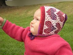Ravelry: The EZ Mosaic Heart Hat pattern by Kathy Lang {free}