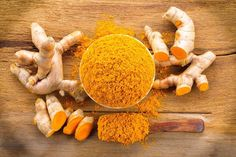 10 Benefits for health of Turmeric Essential Oil - Turmeric has truly amazing health benefits, from functioning as a potential anti-cancer food to being an Turmeric Oil, Turmeric Essential Oil, Essential Oil Uses, Turmeric Side Effects, Essential Oils For Depression, Spices And Herbs, Korn, Herbal Remedies, Herbalism