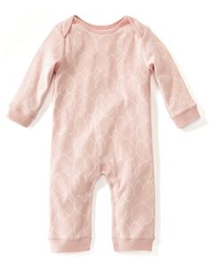We're tickled pink over this this adorable onesie. It's comfy, cuddly and cute, just like your little cutie. Trust us: you'll want to get one (or two or seven) of these babies for your baby girl. Toddler Outfits, Boy Outfits, Minimalist Kids, Momma Bear, Baby Princess, My Little Girl, Maternity Wear, Affordable Fashion, Future Baby