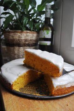 Mrkvový koláč s citrónovou polevou