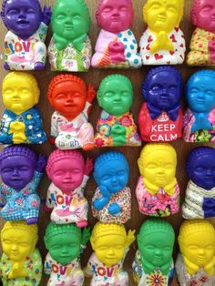 Buditas color hermosos!  Casa Mystica Buddha, Baby Silhouette, Unity In Diversity, Decoupage, Ganesha, Polymer Clay, Feng Shui, Happy, Screens