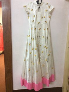 Indian Gowns, Indian Attire, Indian Outfits, Kurta Designs, Blouse Designs, Anarkali Dress, Gown Dress, Lehenga, Saree