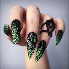 Nail Swag, Cute Nails, Pretty Nails, Halloween Press On Nails, Halloween Inspo, Spooky Halloween, Hair And Nails, My Nails, Bling Nails
