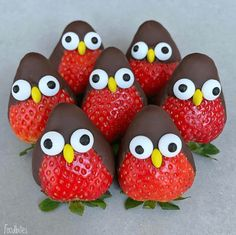 Strawberry Penguins with Chocolate Covering Country & Victorian Times … – kids baking ideas Christmas Treats, Holiday Treats, Christmas Chocolate, Food Art For Kids, Kids Food Crafts, Cooking For Kids, Fruit Art Kids, Fun Fruit, Fruits For Kids