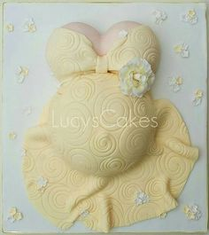 yellow pregnant belly baby shower cake ~ love it! Pregnant Belly Cakes, Pregnant Cake, Pregnant Bellies, Beautiful Cakes, Amazing Cakes, Baby Belly Cake, Baby Bump Cakes, Baby Shower Cake Pops, Gateaux Cake