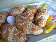 Plněné slané rohlíčky recept   Vaření.cz Kos, Pretzel Bites, Doughnut, Bread, Baking, Desserts, Basket, Kitchens, Tailgate Desserts