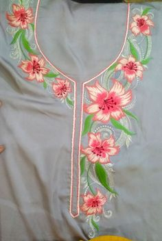 Embroidery Suits Punjabi, Embroidery Suits Design, Hand Embroidery Designs, Embroidery Patterns, Machine Embroidery, Hand Work Design, Embroidery Monogram Fonts, Fabric Paint Designs, Beautiful Dress Designs
