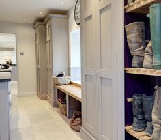 8 country-style boot room designs Design yourself a well-organised boot room with plenty of practical storage to act as a stylish transitional space for just-out-of-the-rain coats and muddy wellies Room Interior, Interior Design Living Room, Living Room Designs, Mudroom Laundry Room, Laundry Room Design, Mudroom Cabinets, Tall Cabinets, Cupboards, Kitchen Design
