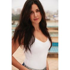 Bollywood Actress Hot Photos, Indian Bollywood Actress, Actress Pics, Beautiful Bollywood Actress, Bollywood Celebrities, Beautiful Indian Actress, Tamil Actress, Indian Celebrities, Katrina Kaif Images