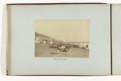 Henry Pauw van Wieldrecht | Gezicht op het strand van Shanklin met pier en badgasten, Isle of Wight, Henry Pauw van Wieldrecht, 1889 |