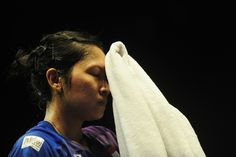 Jakarta. Top Indonesian women's singles badminton player, Lindaweni Fanetri, lost in a shock defeat to Danish underdog Line Kjaersfeldt on the second day of the BCA Indonesia Open Super Series Premier 2016 in Jakarta, Tuesday (31/05).  Lindaweni, the only Indonesian women's singles player qualified for the Rio Olympics, surrendered to Kjaersfeldt—ranked 26th in the Badminton World Federation's (BWF) latest ranking—in a tight rubber, 12-21, 21-18 and 19-21, lasting more than an hour.  Five…