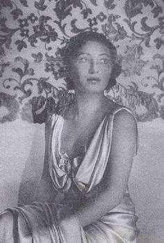 Franceska Mann, de vrouw die kort voor ze werd vergast een pistool te pakken wist te krijgen en SS-Unterscharführer Josef Schillinger neerschoot.