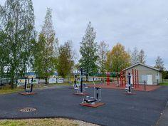 Lavterskel treningspark og egenvektstrening på Dalen IL. Flott variert trening og et flott supplement til øvrig trening på idrettsnlegget.
