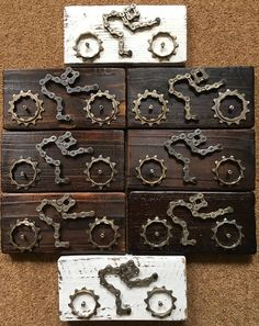 Cycling Gift Cycling Art Wall Plaque Gift for Cyclist Upcycled Recyled Bicycle Parts Bicycle Chain Pallet Wood Steampunk Art Unique Gift - These handmade cycling wall plaques feature a cyclist / time trialist / triathlete and are made by - Bicycle Parts Art, Recycled Bike Parts, Bicycle Art, Bicycle Design, Bicycle Crafts, Bike Craft, Bicycle Decor, Wood Pallets, Pallet Wood