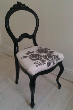 Hey, I found this really awesome Etsy listing at http://www.etsy.com/listing/152328836/rokoko-chair-white