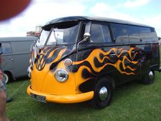 Old VW Bus... AWESOME
