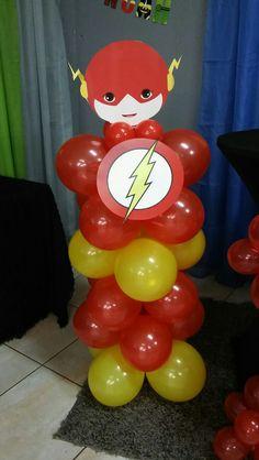 Flash. Balloon superhero. Noah's 1st birthday party Iron Man Birthday, Baby Boy 1st Birthday Party, Superhero Birthday Party, 4th Birthday Parties, Baby Superhero, Batman Party, Flash Superhero, 5th Birthday, Superhero Party Decorations