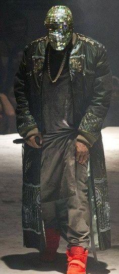 ►Maison Martin Margiela Designs Custom Outfits for Kanye West's 'Yeezus' Tour
