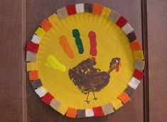 paper plate handprint turkey