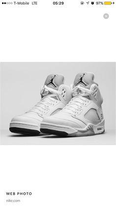 sports shoes ebbf4 938f9 Air Jordan 5 Retro, Nike Air Jordans, Jordans Sneakers, Michael Jordan,  Metallic