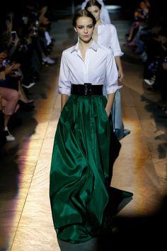 Carolina Herrera #VogueRussia #readytowear #rtw #fallwinter2018 #CarolinaHerrera #VogueCollections