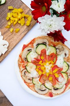 15-Minuten Blitzpizza ohne Pizzateig Avocado Egg, Avocado Toast, Tortilla Pizza, Zucchini Pizzas, Vegetable Pizza, Low Carb, Healthy Recipes, Fast Recipes, Vegetarian
