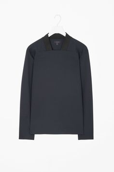 This ribbed square-neck top is made from a lightweight wool-mix with a slight stretch. A modern design, it has hidden sleeve stud buttons, a straight hemline and neat finishes. Concept Clothing, Latest Clothes For Men, Square Neck Top, Androgynous Fashion, Mens Fashion, Fashion Outfits, Minimal Fashion, Normcore, Menswear