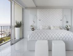 Diseños dormitorio principal en baldosas cabecera colcha de patrón de diamante blanco