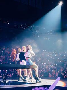Black Pink Yes Please – BlackPink, the greatest Kpop girl group ever! Kpop Girl Groups, Korean Girl Groups, Kpop Girls, Yg Entertainment, Mamamoo, Blackpink Poster, Lisa Blackpink Wallpaper, Seoul Music Awards, Black Pink Kpop