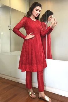 Gorgeous Ayeza Khan in Beautiful all red baby doll dress Styled by Aneela Murtaza Pakistani Formal Dresses, Pakistani Dress Design, Pakistani Outfits, Indian Dresses, Pakistani Frocks, Pakistani Casual Wear, Casual Party Dresses, Stylish Dresses, Simple Dresses