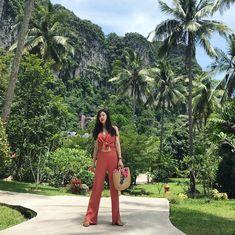 "Cream on Instagram: ""뷰가 다했다.  #반사이나이리조트 #summer #아오낭 #인천공항 #끄라비여행 #방콕여행 #태국여행 #여행스타그램 #travel #instadaily #ootd #셀스타그램 #selfie #vacationtime #여행그램"" Krabi, Ootd"