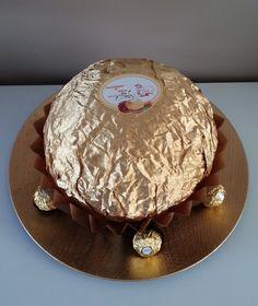 Aujourd'hui je viens avec mon nouveau gâteau. Un Ferrero qui fait un effet pour les yeux et un délices pour les papilles . Les Waouuuu et Hummm étaient au rendez vous ! La liste de vos ingrédients pour votre gâteau. Gâteau et sa garniture – 500 g de crème...