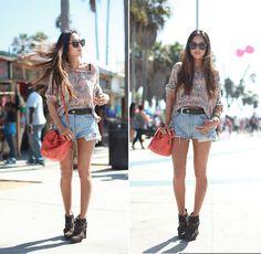Venice Beach, California (by Aimee Song) http://lookbook.nu/look/2200387-Venice-Beach-California